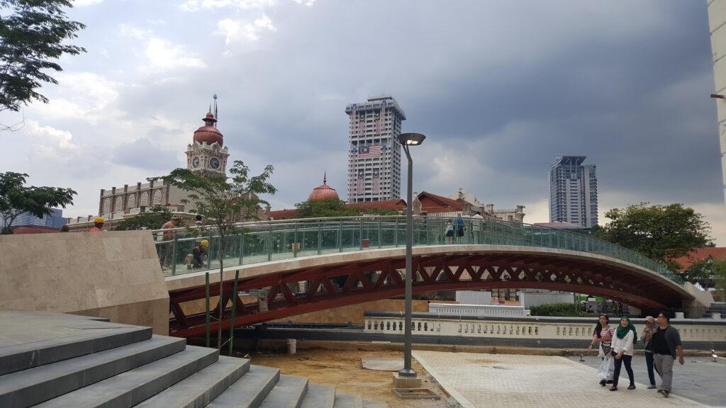 Excursión a Kuala Lumpur Masjid Jamek Pedestrian Bridge